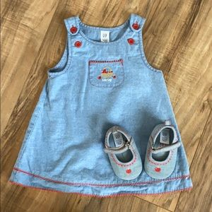 Baby Gap dress with matching shoes.